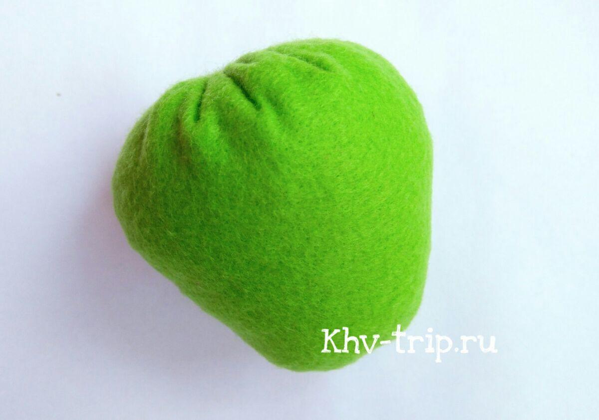 Игрушки из фетра: яблоко